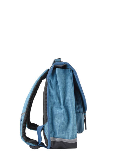 Boekentas 2 Compartimenten Cameleon Blauw vintage color Deze schooltas uit de Vintage collectie van het merk Caméléon heeft een breedte van 35 cm. Ideaal voor de kleuterklas en het eerste leerjaar. Dit model heeft een duidelijke vintage look, dankzij de twee voorvakjes en de riempjes met gesp. Deze boekentas beschikt over twee compartimenten, die schriftjes (24x32 cm) en andere kleine spulletjes kunnen bevatten. Onder de overslagflap bevindt zich ook een uniek opbergvak, met daarin een gratis liniaal! De twee vakjes met rits vooraan zijn ideaal om een snack of zakdoek in op te bergen. Dit model beschikt ook over een naamlabel, en kan makkelijk gesloten worden dankzij een dubbel kliksysteem. Voor optimaal comfort zijn de rugzijde en schouderbandjes extra gewatteerd. Dankzij enkele reflectoren kan uw kind zich ook veilig in het verkeer begeven. Vintage op z'n mooist! ander zicht 4